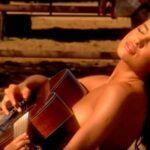 Irina Shayk, en topless para 'Ilustrated Swimsuit'