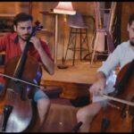 Luka Sulic y Stjepan Hauser tocando 'Despacito' con sus chelos