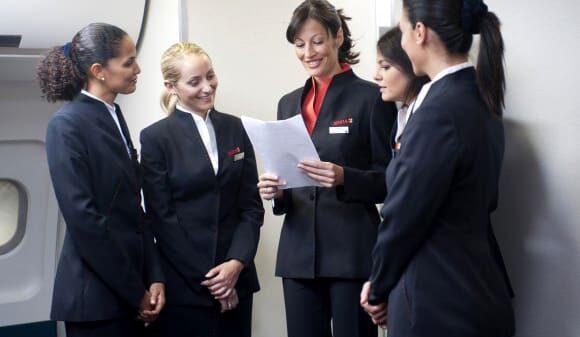 Auxiliares de vuelo de Iberia antes de un vuelo