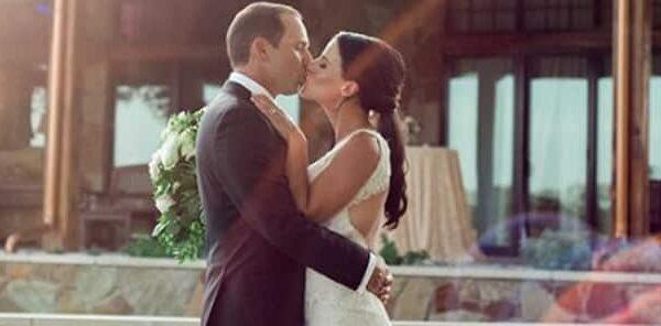 El golfista Sergio García y su mujer, tras casarse