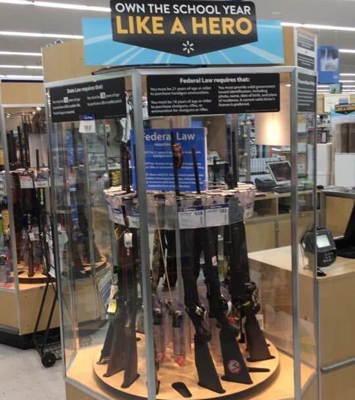 El cartel de publicidad de Walmart