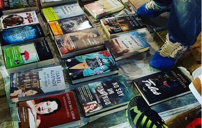 El libro de Carme Chaparro en el top manta