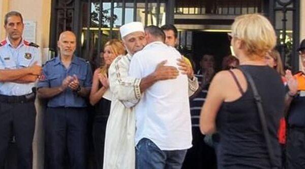 El imán de Rubí y el padre del pequeño Xavi se funden en un abrazo