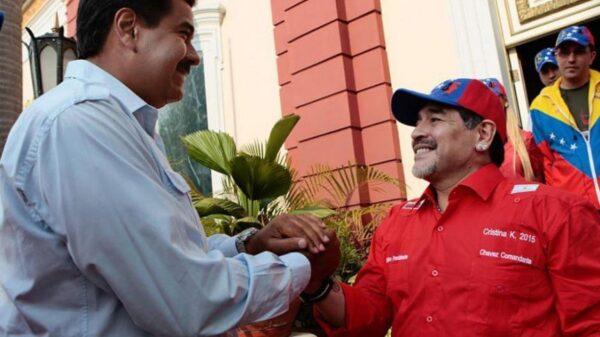 Nicolás Maduro y Diego Armando Maradona