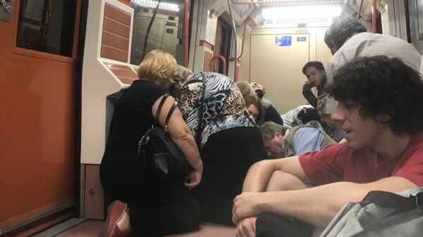 Viajeros en el Metro de Madrid