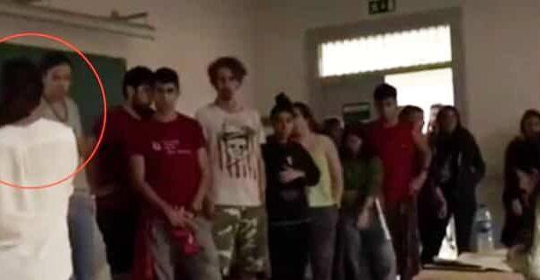 La profesora se enfrenta a los alumnos independentistas