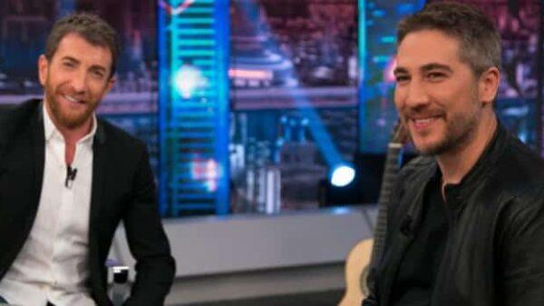 Alberto Ammann con Pablo Motos en 'El Hormiguero'