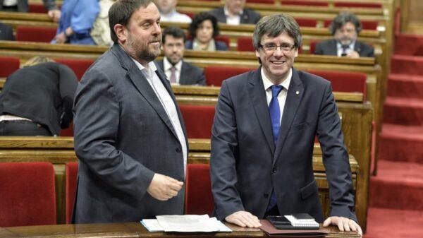 Oriol Junqueras y Carles Puigdemont en el Parlament
