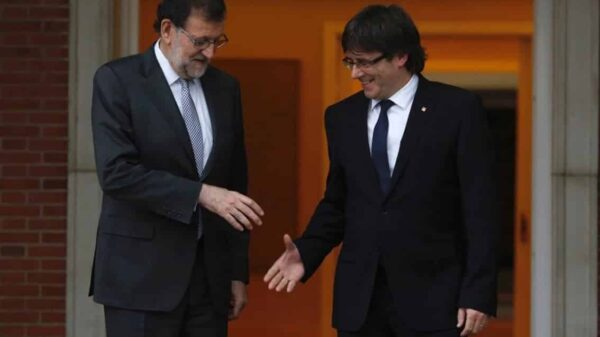 Mariano Rajoy y Carles Puigdemont en un encuentro en La Moncloa