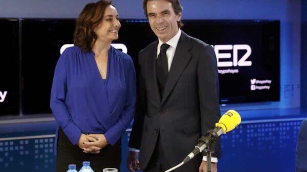 Pepa Bueno y José María Aznar antes de la entrevista en la Cadena SER