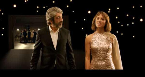 Ricardo Darín y Michelle Jenner en el anuncio de Freixenet