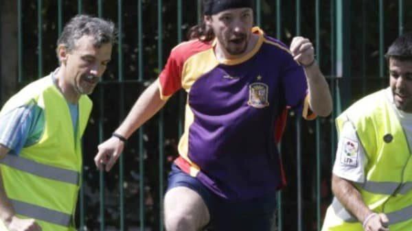 Pablo Iglesias con una camiseta con los colores de la bandera republicana