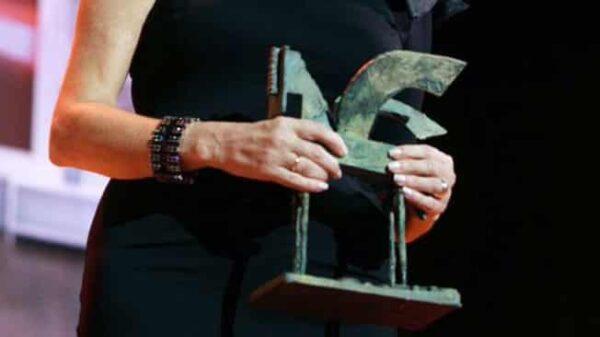 La escultura de los premios Ondas