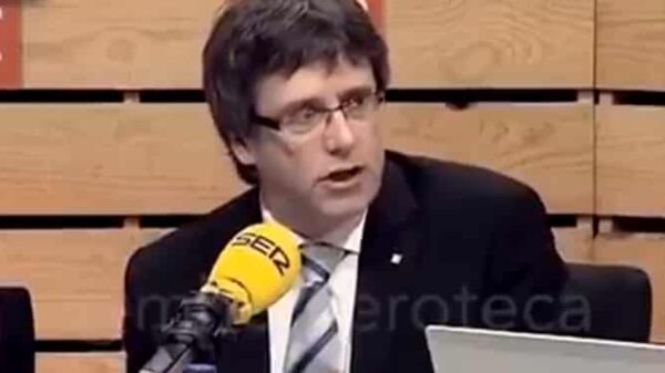 Carles Puigdemont en una entrevista en la Cadena SER