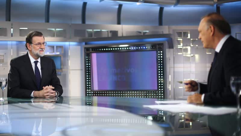 Mariano Rajoy y Pedro Piqueras durante la entrevista