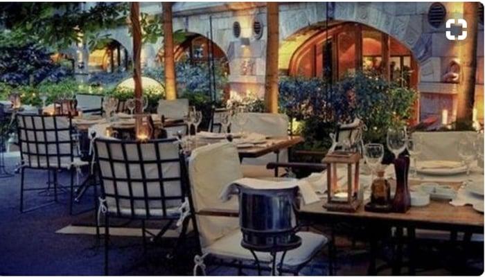 El interior del restaurante Rubaiyat