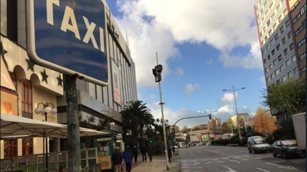Parada vacía de taxis