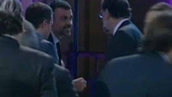 Santi Vila y Mariano Rajoy saludándose este miércoles por la noche en Barcelona