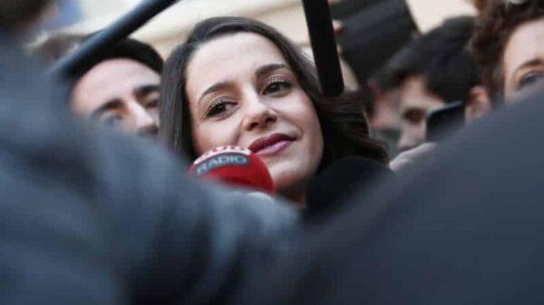 Inés Arrimadas tras votar este jueves en las elecciones catalanas