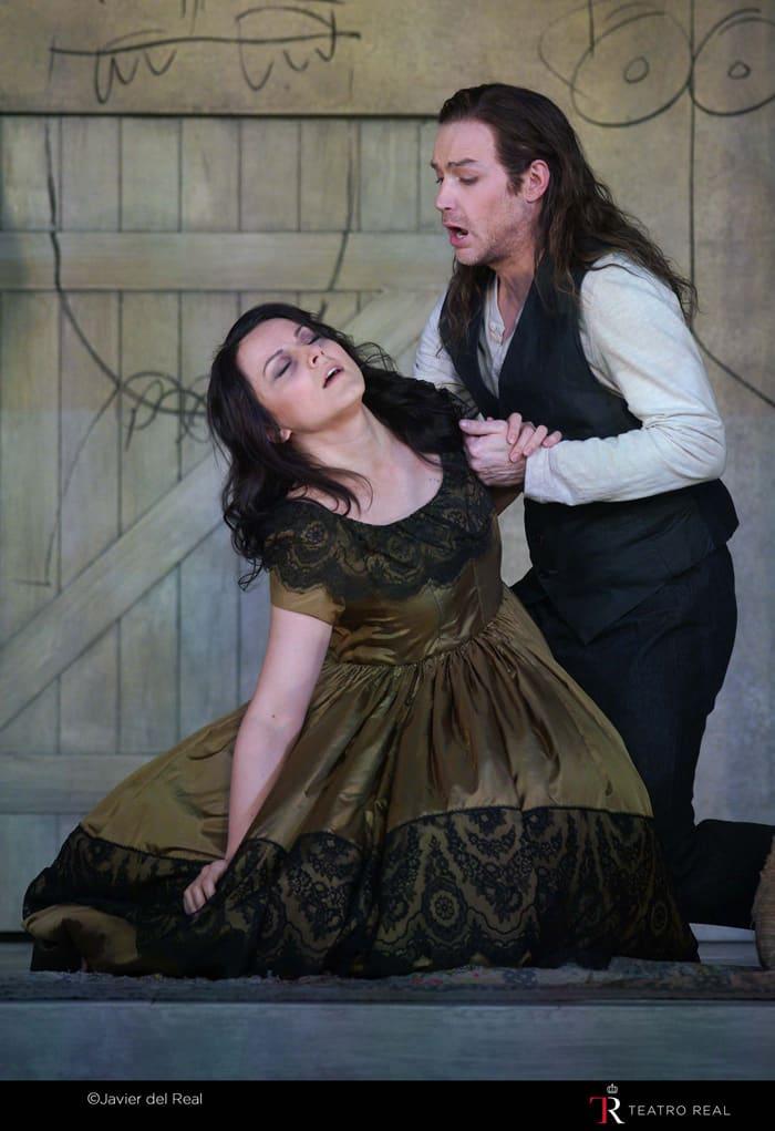 La soprano Anita Hartg ('Mimi') y el tenor Stephen Costello ('Rodolfo')
