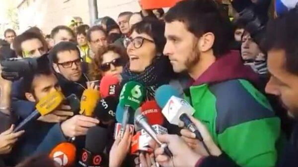 Marta Llorens y Oriol Ciurana tras ser liberados