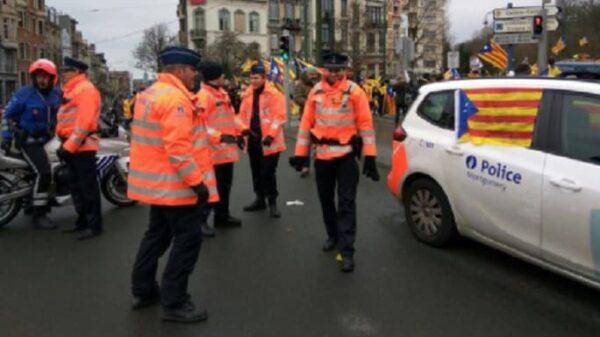 La Policía belga luce esteladas en sus coches