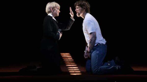 La mezzosoprano Joyce DiDonato y el barítono Michael Mayes en 'Dead Man Walking'