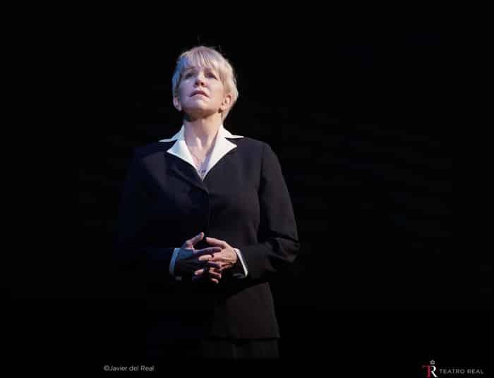 La mezzosoprano Joyce DiDonato (sister Helen Prejean)