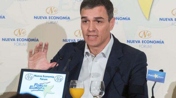 Pedro Sánchez durante un desayuno informativo este martes