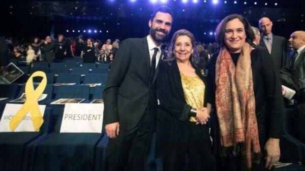 Roger Torrent, Isona Passola (presidenta de la academia de cine catalán) y Ada Colau