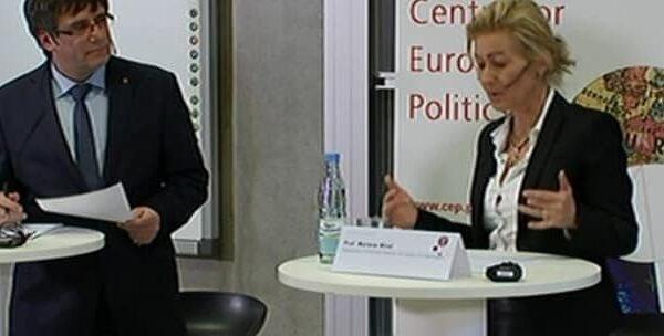 Carles Puigdemont y la profesora Marlene Wind