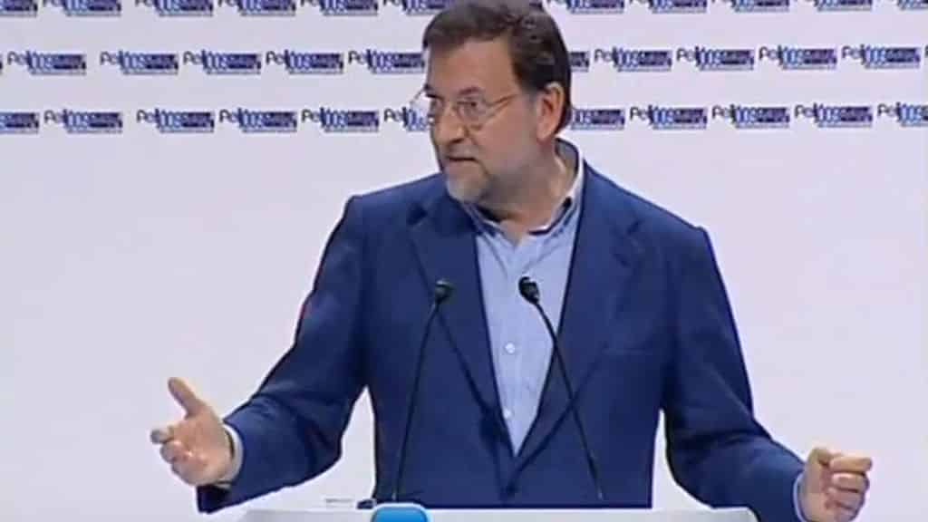 Mariano Rajoy durante su comparecencia en 2009 pidiendo la dimisión de Magdalena Álvarez