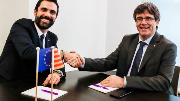 Roger Torrent y Carles Puigdemont durante su encuentro en Bruselas
