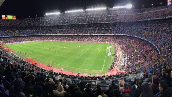 La pobre asistencia al Camp Nou