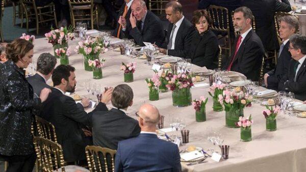 Colau y el Rey en la cena de inauguración del Mobile World Congress