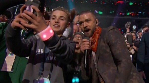 Justin Timberlake en un momento de su actuación en la Super Bowl