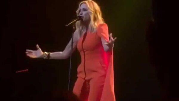 Marta Sánchez durante su actuación