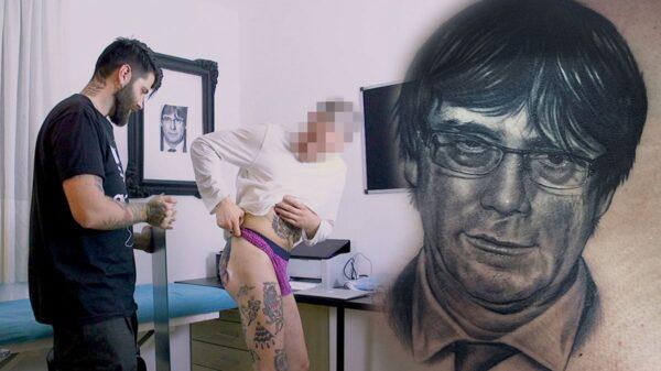 El joven que se ha tatuado a Puigdemont en el culo