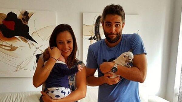 Roberto Leal junto a su mujer, Sara Rubio, y su hija, Lola