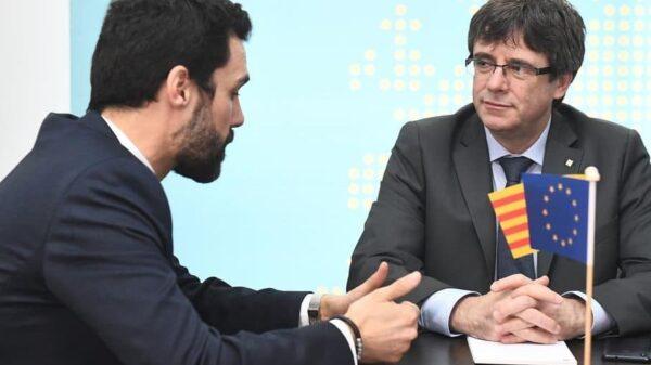 Roger Torrent y Carles Puigdemont durante su reunión en Bruselas