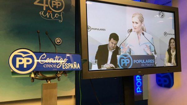 Cristina Cifuentes, compareciendo por plasma ante los periodistas
