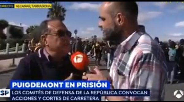 Raúl García, increpado en 'Espejo Público' por un independentista