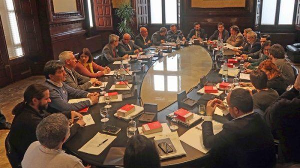 La Mesa del Parlamento catalán