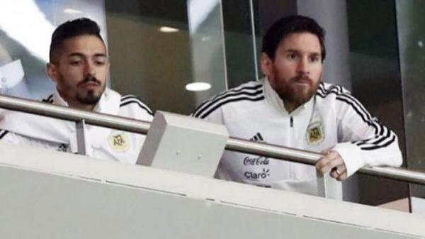 Messi, junto a Lancini, siguiendo el España-Argentina en el palco del Wanda Metropolitano