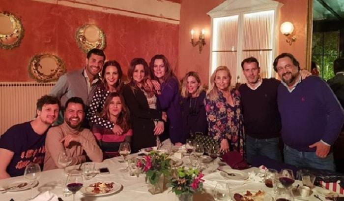 Paula Echevarría y Miguel Torres con amigos