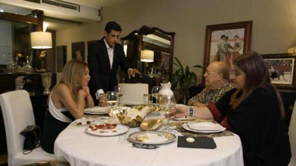 Víctor Janeiro, anfitrión de 'Ven a cenar conmigo'