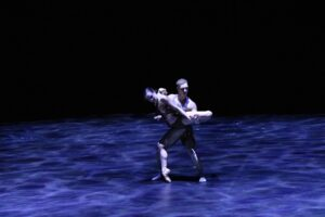 Coreografía 'Echoes From a Restless Soul'