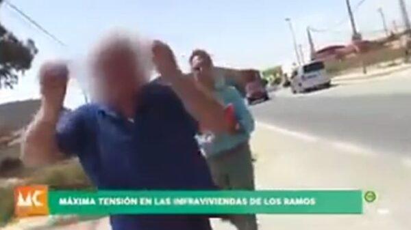 Un hombre agrede a un reportero en Murcia