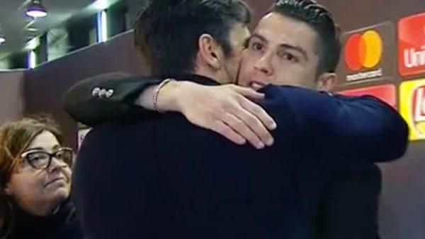 El abrazo entre Cristiano Ronaldo y Gianluigi Buffon