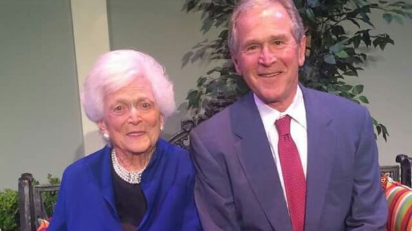 George W. Bush y su madre, Barbara